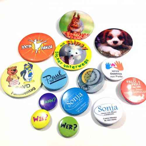Personalized Pins Diameter 38 mm